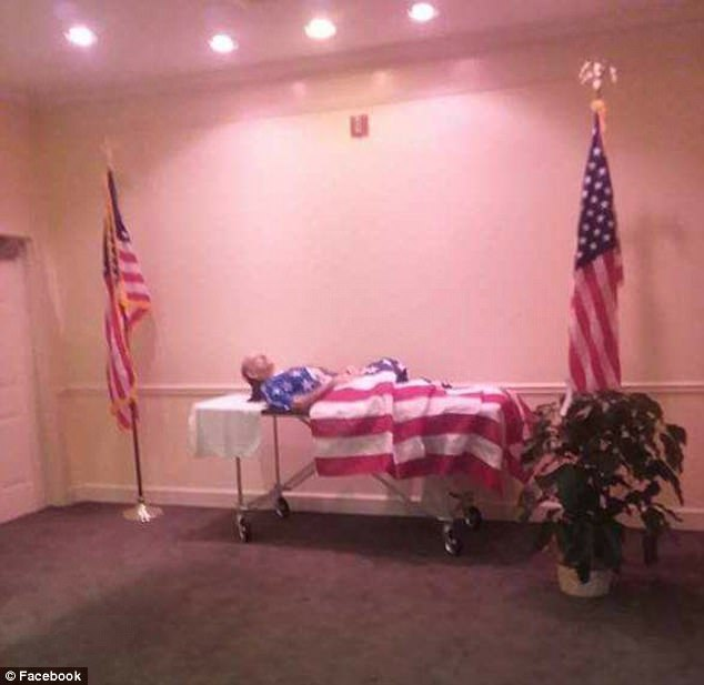 Vietnam War Veteran's Body Displayed At Wake Without Coffin